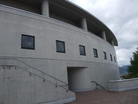 長野大学付属図書館